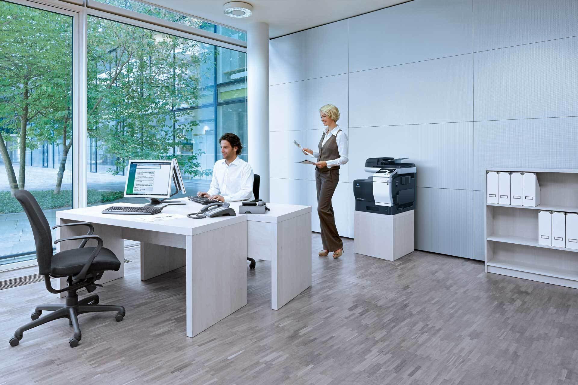 Multifunkcijski barvni laserski tiskalnik za varno, celovito in optimizirano poslovanje